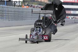 Larry Dixon deploys the parachutes aboard his Al Annabi Racing Top Fuel Dragster