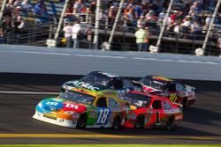 Kyle Busch, Joe Gibbs Racing Toyota, Jamie McMurray, Earnhardt Ganassi Racing Chevrolet, Carl Edwards, Roush Fenway Racing Ford, Greg Biffle, Roush Fenway Racing Ford