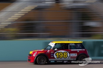 #198 RSR Motorsports Mini Cooper S: Sarah Cattaneo, Owen Trinkler