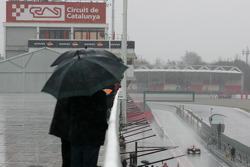 Heavy rain hits Circuit de Catalunya for the last day of testing