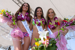 Motorsport.com's grid girl Lauren winner of the bikini contest with the two runners-up