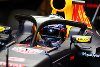 Formule 1 Photos - Daniel Ricciardo, Red Bull Racing RB12 avec le Halo