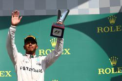 Podium: Lewis Hamilton, Mercedes AMG F1 W07
