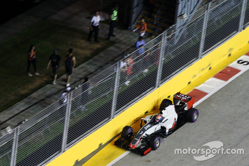 20: Romain Grosjean, Haas F1 Team VF-16 (inc. 5-place grid penalty)