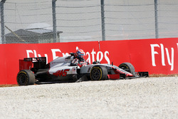 Romain Grosjean, Haas F1 Team VF-16 crashed out of the race