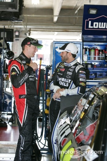 Kyle Busch, Joe Gibbs Racing Toyota and Jimmie Johnson, Hendrick Motorsports Chevrolet