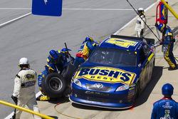 Pit stop for Bobby Labonte, JTG Daugherty Racing Toyota