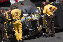 Damaged car of David Ragan, Roush Fenway Racing Ford