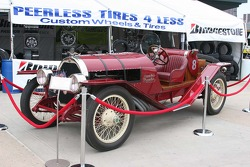 A 1923 Fearless Peerless features a 323 V-8 with an 11 disk clutch