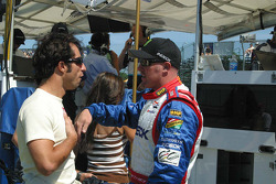 Paul Tracy talks with Bruno Junqueira about practice