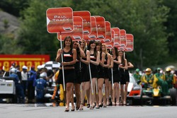 The grid girls clear the starting grid