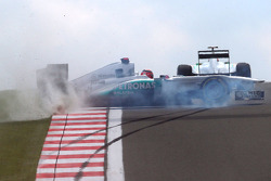 Michael Schumacher, Mercedes GP F1 Team, MGP W02, spins