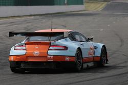 #60 Gulf AMR Middle East Aston Martin Vantage: Fabien Giroix, Roald Goethe, Mike Wainwright