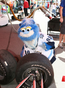 Indiana Ice mascot Big-E-Foot puts his tire changing skills on display