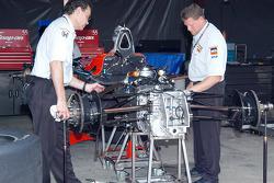 Matsuura's crew makes sure the rear suspension is right