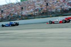 Sam Hornish Jr chasing Marco Andretti