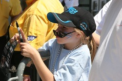 A young race fan waits for Danica Patrick
