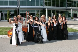 500 Festival Princesses hold a Charlie's Angel's pose