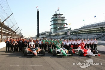 The top three Pole position leaders, Dario Franchitti, Tony Kanaan, and pole winner Helio Castroneves with their teams