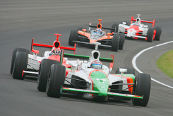 Tony Kanaan in early race action