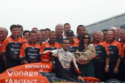 Dario Franchitti, wife Ashley Judd and the winning crew of the 91st Indianapolis 500