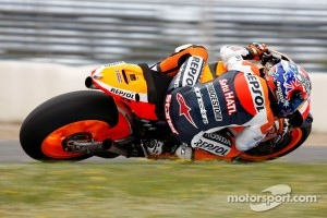 Casey Stoner tests the Honda 1000cc