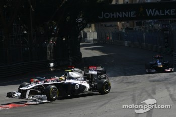 Pastor Maldonado, Williams F1 Team and Lewis Hamilton, McLaren Mercedes crash