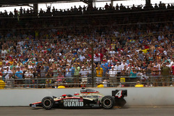 INDYCAR: J.R. Hildebrand, Panther Racing crashes into the wall in turn 4 on the last lap
