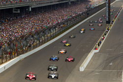 Scott Dixon, Target Chip Ganassi Racing and Alex Tagliani, Sam Schmidt Motorsports battle for the lead
