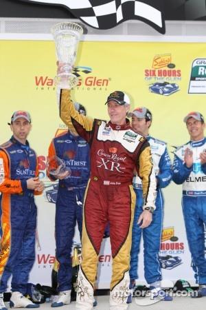Victory lane: Trueman/Akin award winner #60 Michael Shank Racing Ford Riley: Oswaldo Negri, John Pew