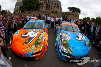 Unveiling of the new livery of the Flying Lizard Motorsports Porsche 911 RSR