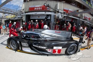 Pit stop for #1 Audi Sport Team Joest Audi R18 TDI: Timo Bernhard, Romain Dumas, Mike Rockenfeller