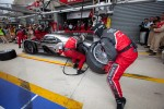 Last pit stop for #2 Audi Sport Team Joest Audi R18 TDI: Marcel Fssler, Andr Lotterer, Benoit Trluyer