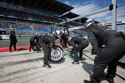 Team HWA AMG Mercedes team members ready for a pit stop