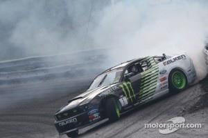 #1 Vaughn Gittin Jr., Team Monster Energy Falken Tire Ford Mustang