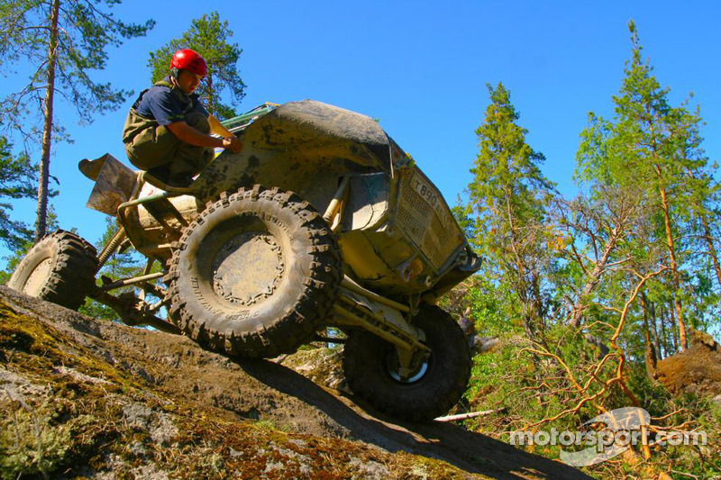 TR3 class winner Roman Briskindov balancing on a rock
