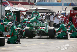 Pitstop for Tony Kanaan