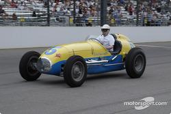 Vintage racers: 1952 Federal Engineering Special #5