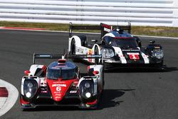 #6 Toyota Racing Toyota TS050 Hybrid: Stéphane Sarrazin, Mike Conway, Kamui Kobayashi, #1 Porsche Team Porsche 919 Hybrid: Timo Bernhard, Mark Webber, Brendon Hartley
