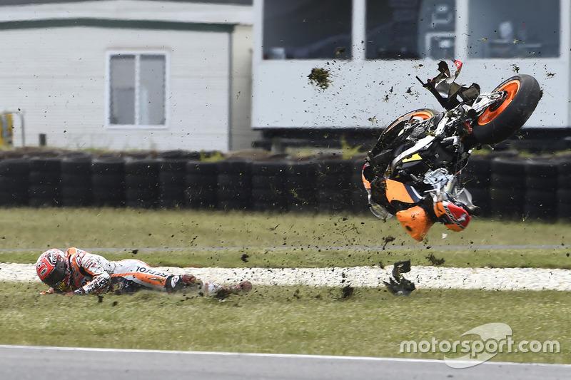 OUT: Marc Marquez, Repsol Honda Team, Crash