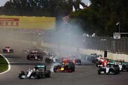 Start: Lewis Hamilton, Mercedes AMG F1 W07 Hybrid