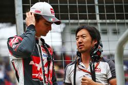 (L to R): Esteban Gutierrez, Haas F1 Team with Ayao Komatsu, Haas F1 Team Race Engineer