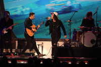 NASCAR Sprint Cup Fotos - The American Authors perform