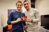 F1 图片 - Pressekonferenz mit Nico Rosberg und Lukas Podolski