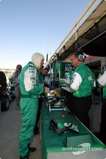 Paul Tracy getting ready for the warmup