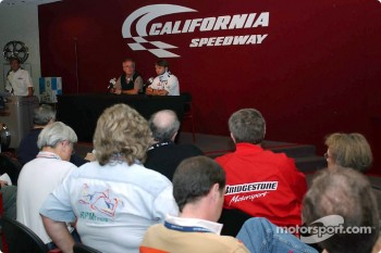 Press conference with Tom Anderson and Adrian Fernandez