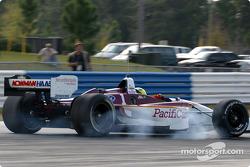 Bruno Junqueira smokes the tires