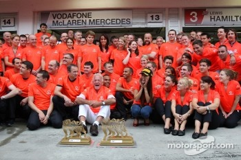 John Button Father of Jenson, Nicholas Hamilton, Brother of Lewis Hamilton, McLaren Mercedes, Lewis Hamilton, McLaren Mercedes, Jessica Michibata girlfriend of Jenson Button celebrate with the team