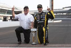 Victory lane: race winner Paul Menard, Richard Childress Racing Chevrolet celebrates with Richard Childress