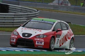 Gabriele Tarquini, Seat Leon 2.0 TDI, Lukoil - Sunred